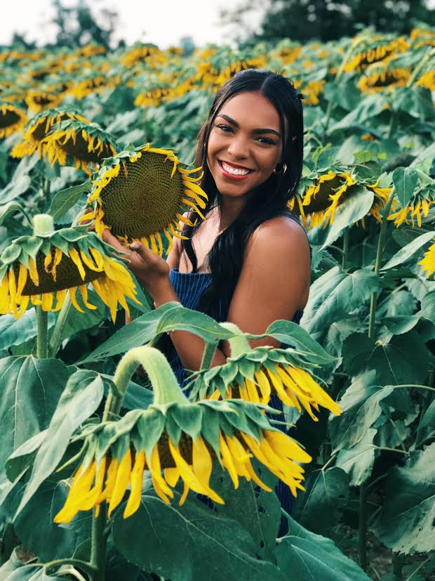 image-833589-Mixed_girl_sunflower-16790.jpg